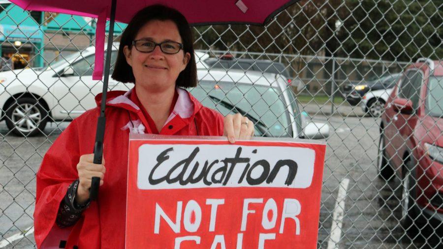 Math Teacher Leslie Hicks defending public education.